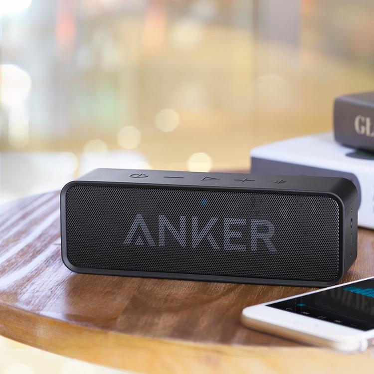 Anker SoundCore bluetooth-högtalare på bord