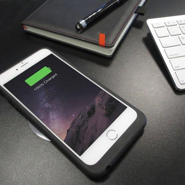 Aircharge iPhone 6/6s MFi Qi trådlöst laddningsskal laddar en iPhone