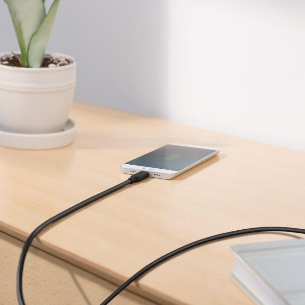 Anker PowerLine II USBC kabel 90cm på bord
