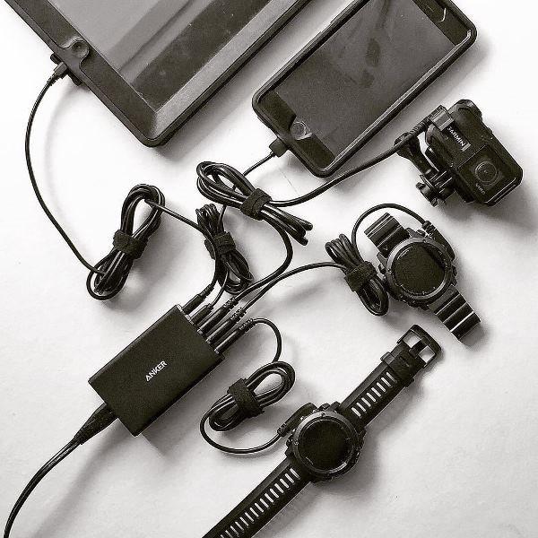 Anker Powerport 5 mobilladdare laddar allt