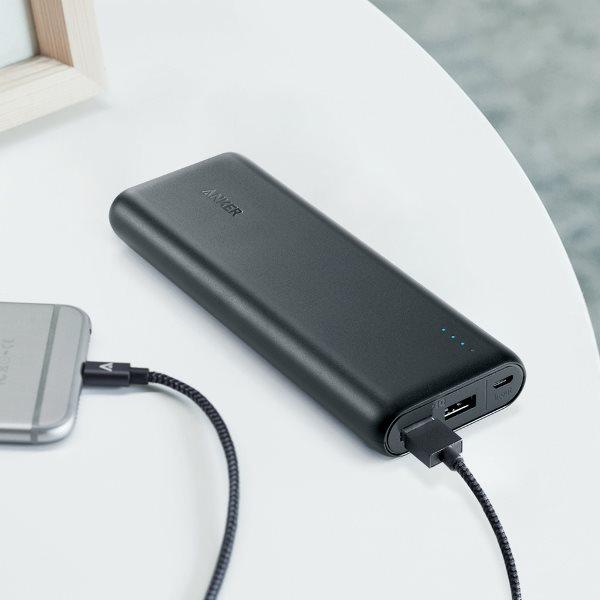 Anker 20100mah powerbank svart laddar en telefon
