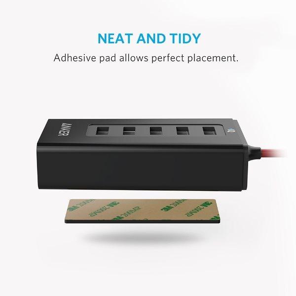 Anker PowerDrive 5 mobilladdare för bilen kan fästas