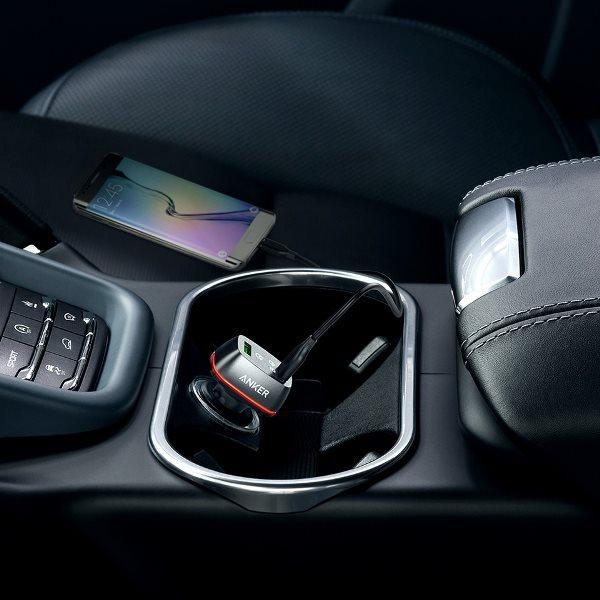 Anker PowerDrive Plus 2 med QC3.0 svart i bilens eluttag