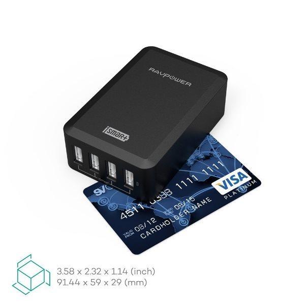 RAVPower mobilladdare med 4 uttag stor som ett kreditkort