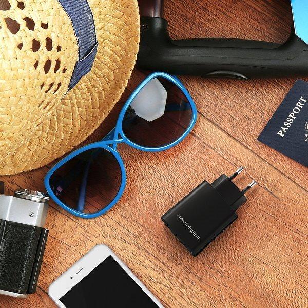 RAVPower mobilladdare med 3 uttag perfekt att ha med på resan