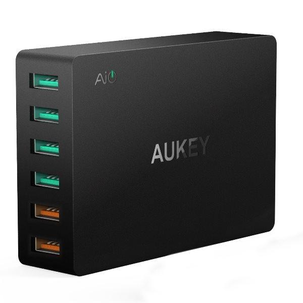 Aukey mobilladdare med 6 uttag och Quick Charge 3.0