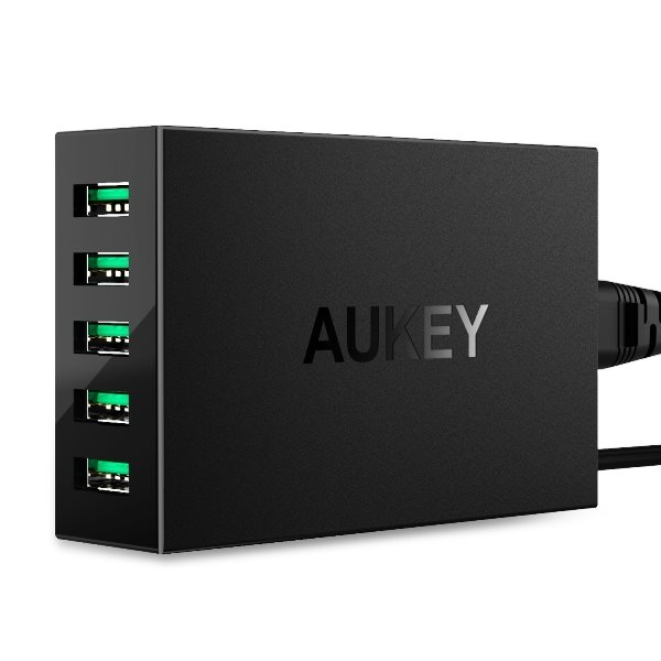Aukey mobilladdare med 5 uttag
