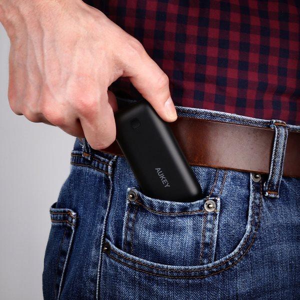 Aukey 5000mAh Pocket powerbank med runda hörn som passar i fickan