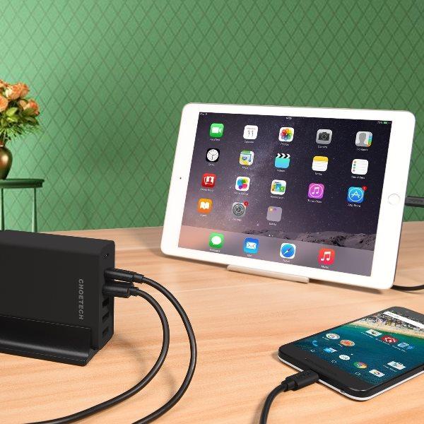 Choetech mobilladdare med 2 x USB-C och 4 x USB-A laddar både USB-C och USB