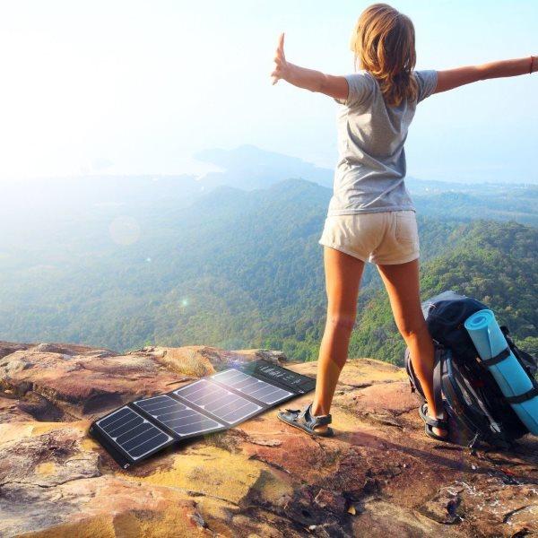 RAVPower Solcellsladdare 24W för laddning i naturen