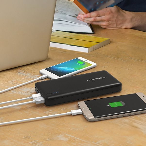 RAVPower Turbo 20100mah powerbank med QC3 och USBC - laddar två telefoner
