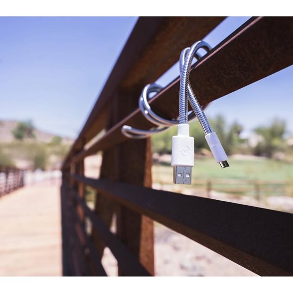Fuse Chicken Titan mikro-USB 100cm på staket