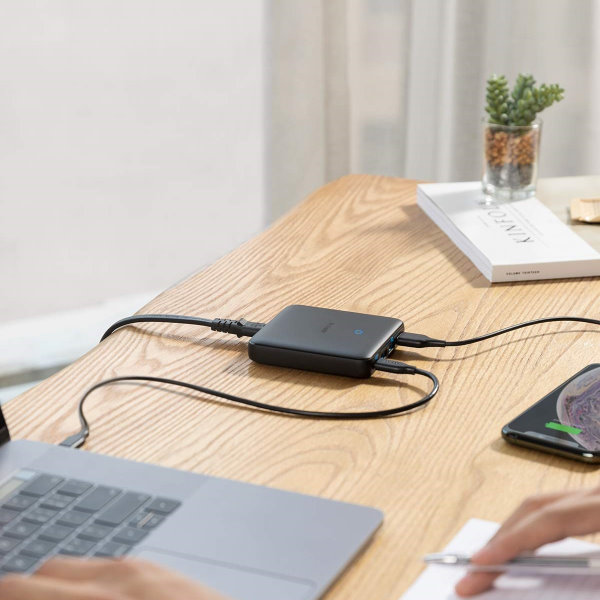 Anker PowerPort Atom III Slim 4 uttag för lilla kontoret