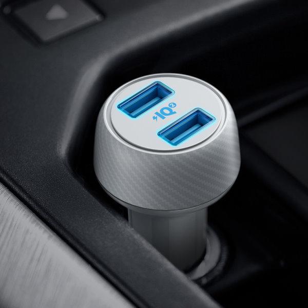 Anker PoweDrive Speed 2 30W vit i bilen