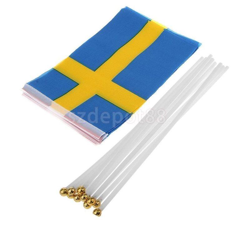 Svenska Flaggan 2 st - Storlek: ca 14 x 21 cm - Flaggstång: 30 cm - Polyester