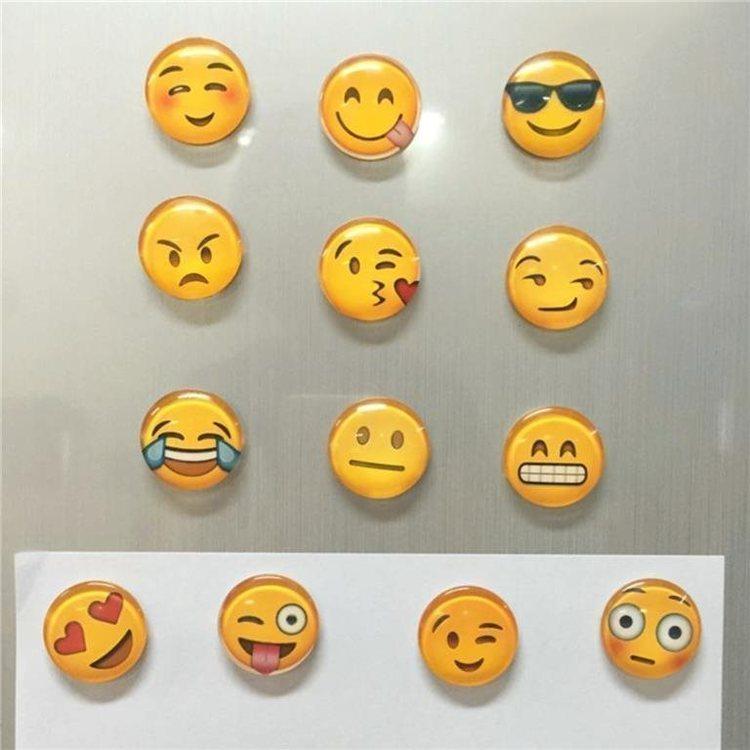 Kylskåpsmagneter 5 pack - Glas - Ansiktsuttryck - Emoji - Gula.Diameter: 3 cm