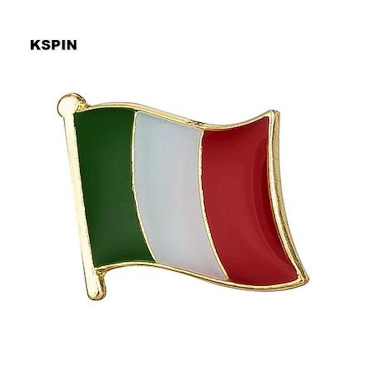 Italien flaggpin  Material: Metall Storlek: 1.6 cm x 1.9 cm
