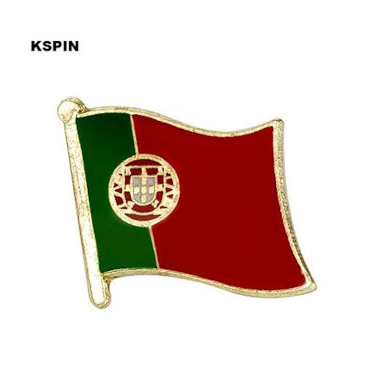 Portugal flaggpin  Material: Metall Storlek: 1.6 cm x 1.9 cm