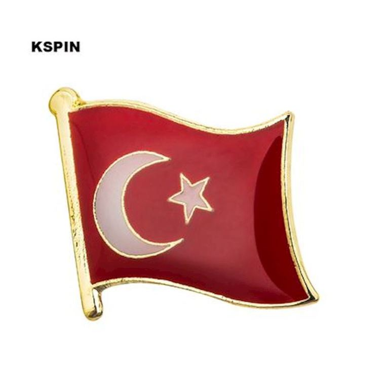 Turkiet flaggpin  Material: Metall Storlek: 1.6 cm x 1.9 cm