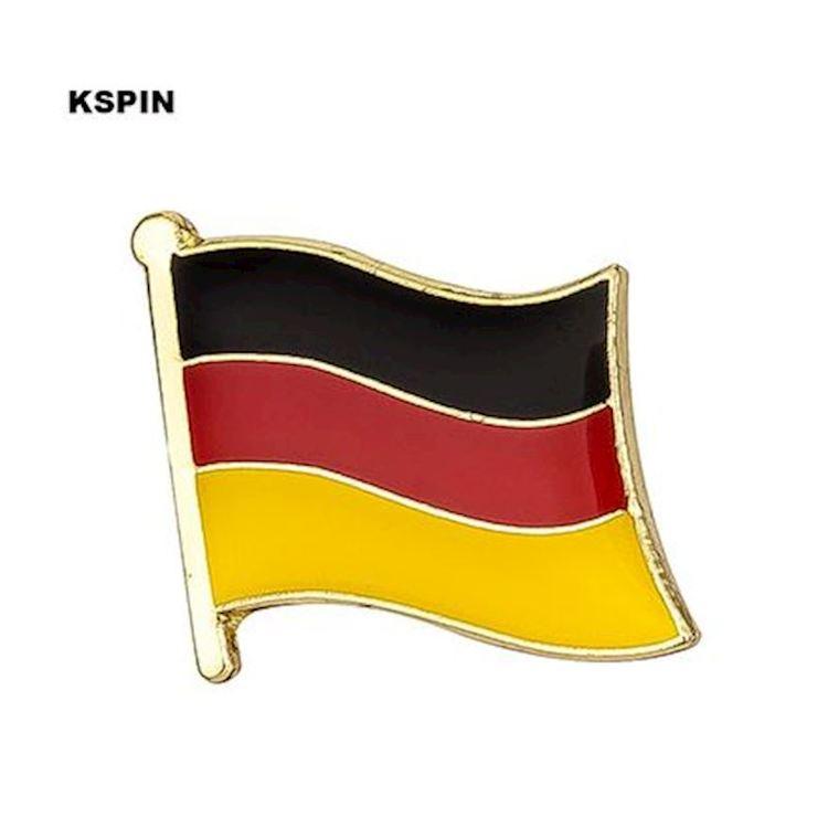 Tyskland flaggpin  Material: Metall Storlek: 1.6 cm x 1.9 cm