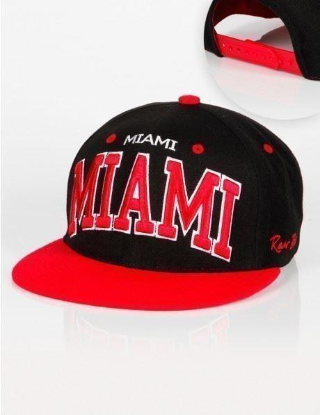 RB Miami Snapback - Svart Röd - Coola Färger. Broderad text.Tjejer & Killar