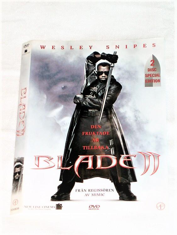 DVD Blade II skiva och omslag svensk text,normalt begagnat skick.