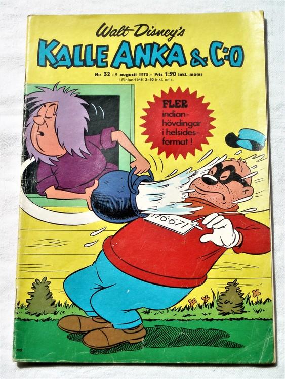 Kalle Anka&Co nr32 1973 bra skick,adressetikett baksida,rygg lite sliten.