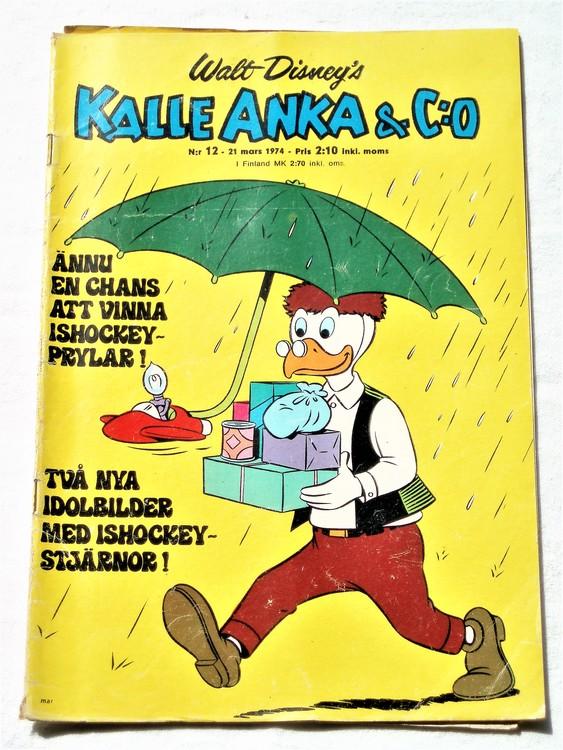 Kalle Anka&Co nr12 1974 bra skick,adressetikett baksida rygg mer sliten.