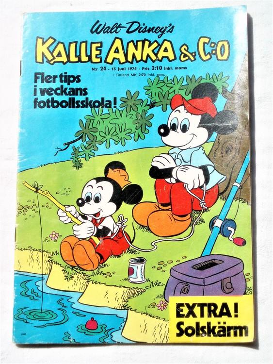 Kalle Anka&Co nr24 1974 bra skick,adressetikett baksida rygg mer sliten.