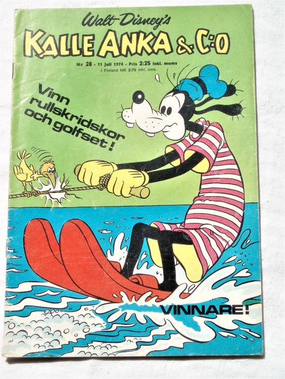 Kalle Anka&Co nr28 1974 bra skick,adressetikett baksida,rygg mer sliten.