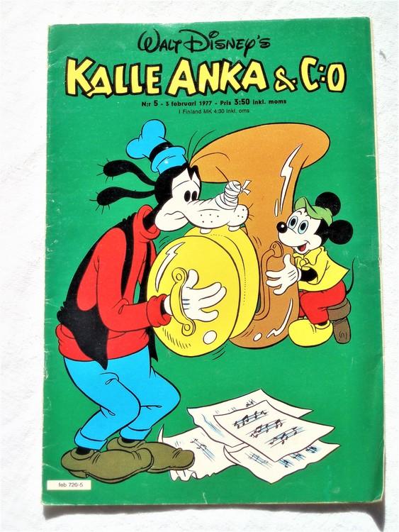 Kalle Anka&Co nr5 1977 mycket bra skick,adressetikett baksida.