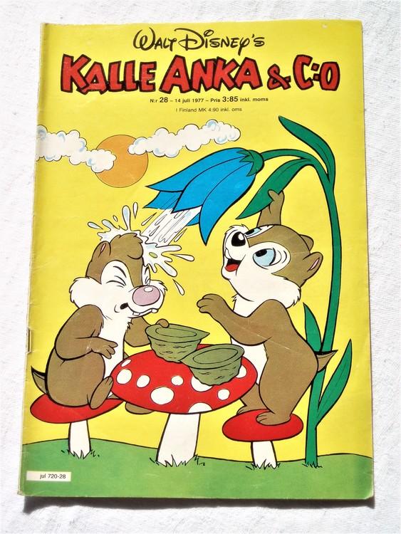 Kalle Anka&Co nr28 1977 mycket bra skick,adressetikett baksida.