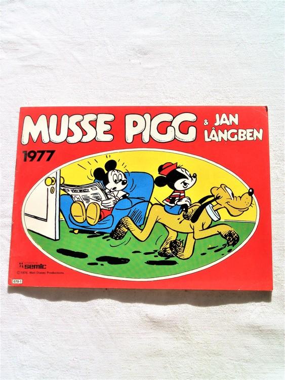 Musse Pigg & Jan Långben 1977 mycket bra skick, nyskick oläst semic