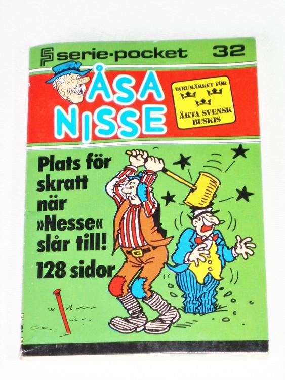 Åsa-Nisse Seriepocket nr 32 semic mycket bra skick nyskick.