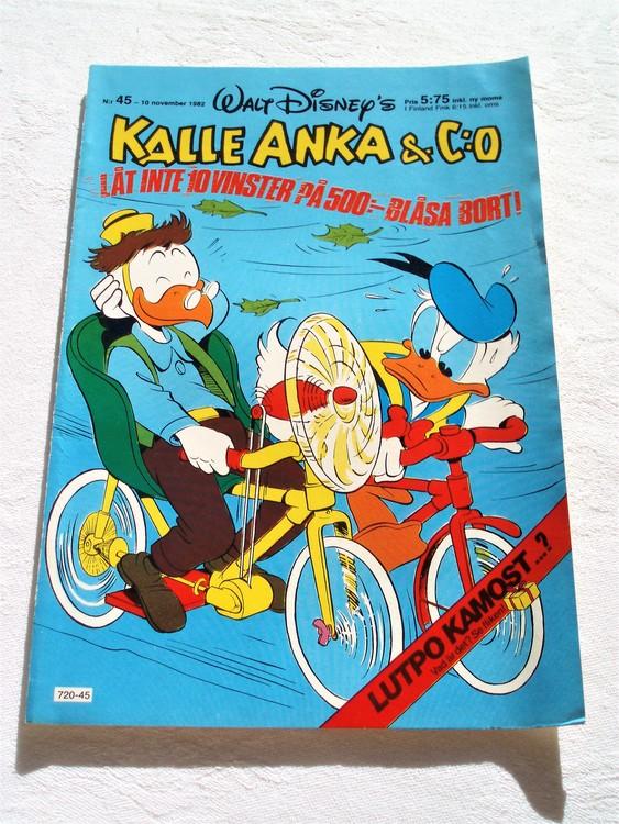 Kalle Anka&Co nr 45 1982 mycket bra skick,adressetikett baksida data tryck.