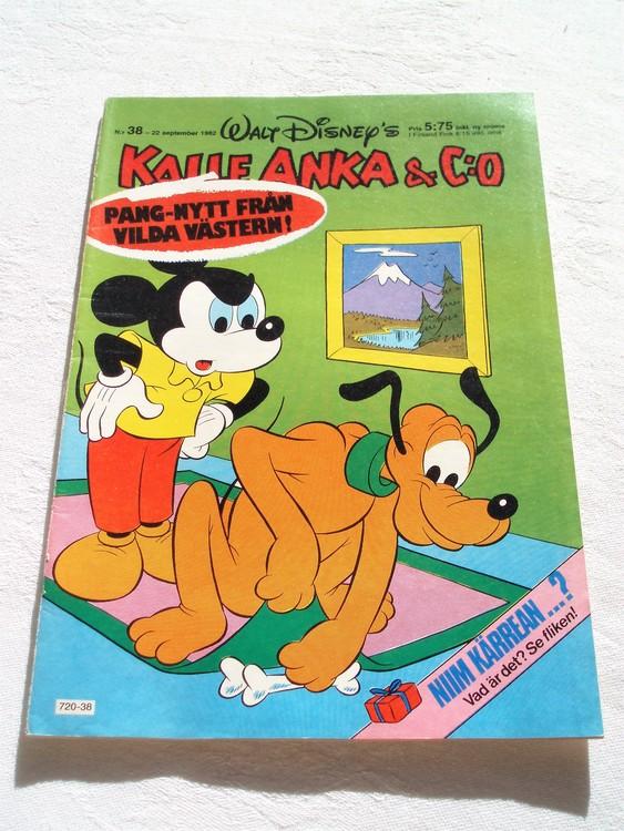 Kalle Anka & Co nr 38 1982 mycket bra skick adressetikett baksida data tryck.
