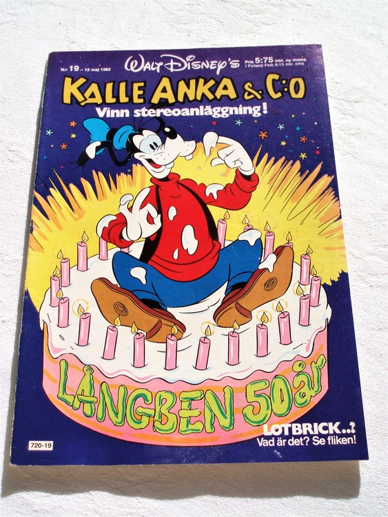 Kalle Anka& Co nr 19 1982 mycket bra skick adressetikett baksida data.