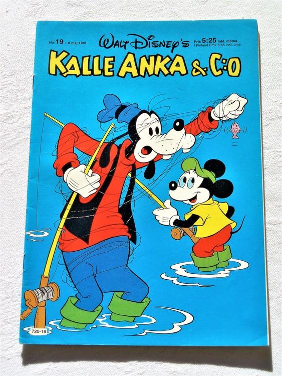 Kalle Anka & Co nr 19, 1981 mycket bra skick adressetikett baksida data.