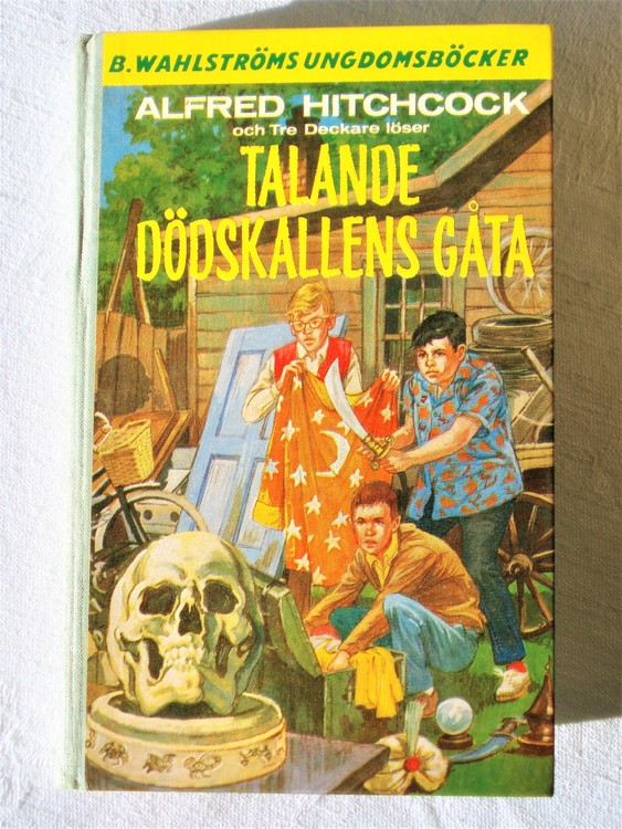 """Tre Deckare Löser """"Talande Dödskallens Gåta"""" Alfred Hitchcock"""