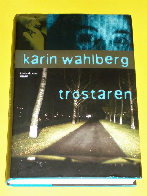 """Karin Wahlberg """"Tröstaren"""" En kvinna vandrar hemåt genom det fridfulla..."""