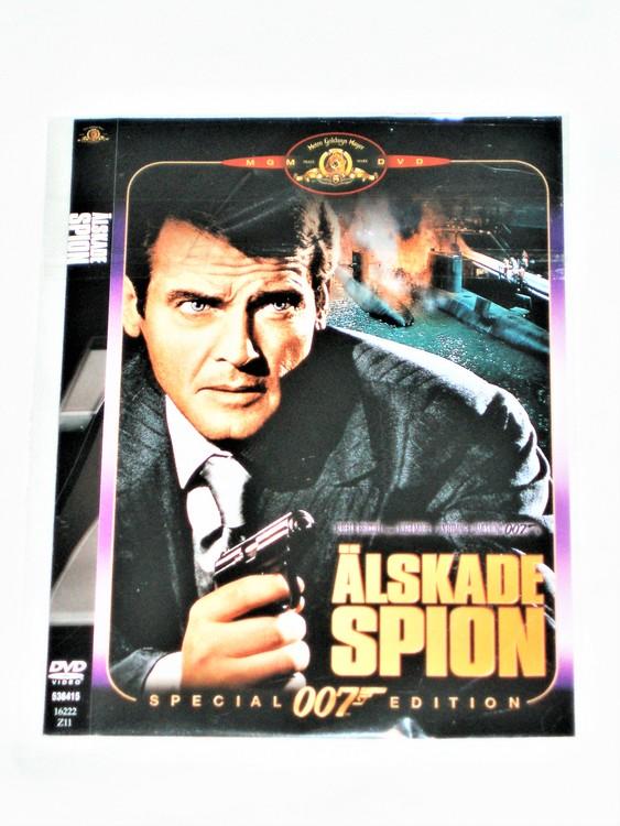"""James Bond """"Älskade Spion""""svensk text,Skiva och omslag normalt skick."""