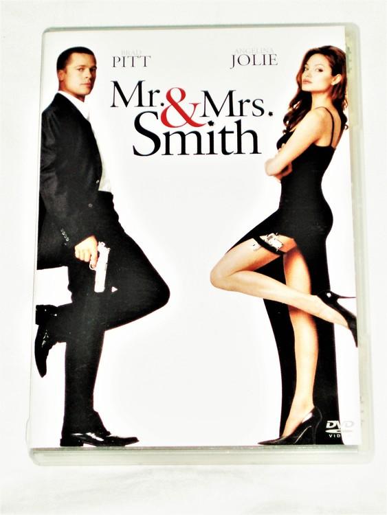 Mr&Mrs. Smith Svensk text,normalt begagnat skick.