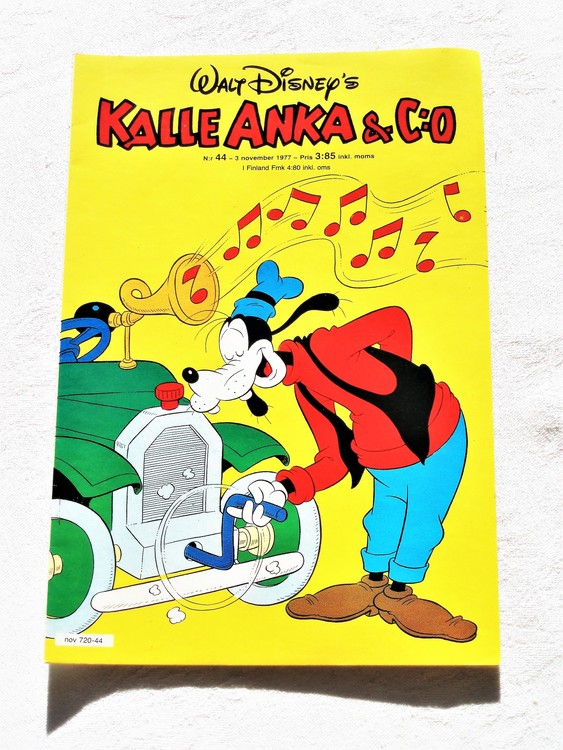 Kalle Anka&Co nr44 1977 mycket bra skick,adressetikett baksida.