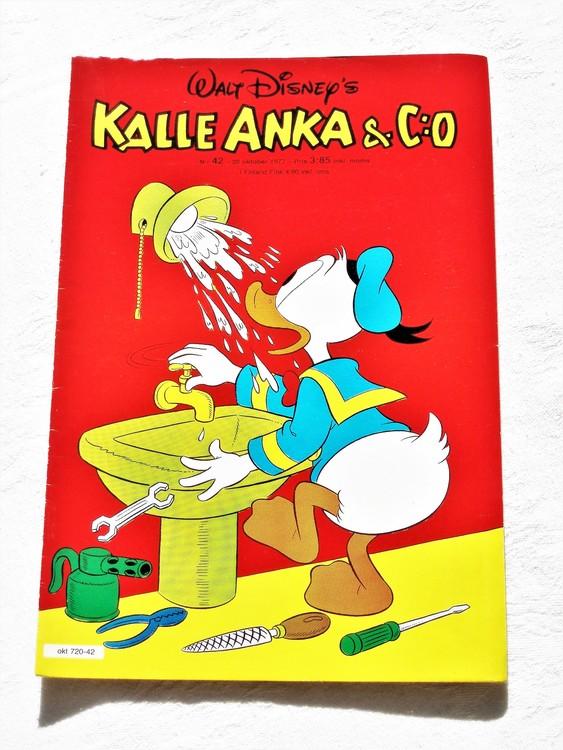 Kalle Anka&Co nr42 1977 mycket bra skick,adressetikett baksida.