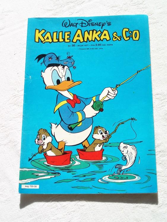 Kalle Anka&Co nr30 1977 mycket bra skick,adressetikett baksida.