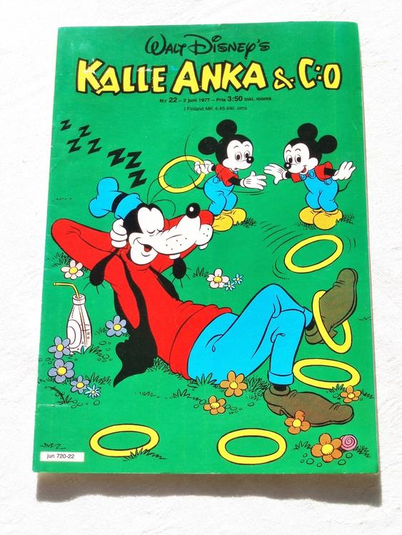 Kalle Anka&Co nr22 1977 mycket bra skick,adressetikett baksida.