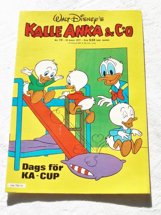 Kalle Anka&Co nr12 1977 mycket bra skick,adressetikett baksida.