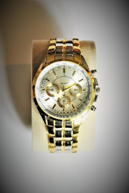 Favolook Armbandsklocka Herr Dia 4.3 cm Urtavla Silver Guld färg. Nyskick
