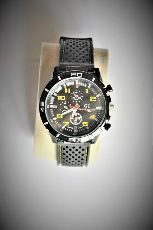 GT Armbandsklocka Herr Dia4.5 cm Urtavla Svart Silver Vit Gul. Nyskick
