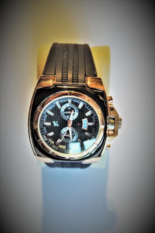 V6 Armbandsklocka Herr Dia 5 cm Urtavla Svart Klockslag Sekunder Nyskick